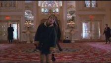 Donald Trump'ın Evde Tek Başına Filmindeki Sahnesi