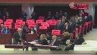 Bahçeli Önce Davutoğlu'nu Sonra Erdoğan'ı Selamladı
