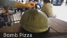 Daha Önce Böyle Bir Pizza Yapımı Görmediğinize Eminiz!