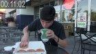 12 Donutu Saniyeler İçinde Bitiren Bir Garip Adam