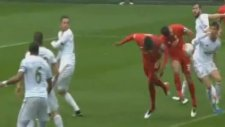 Christian Benteke'nin Swansea City'e Attığı Gol