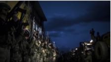 Özel Birlikler Yüksekova'dan Ayrılırken Sokakları Komando Andıyla İnlettiler