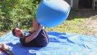 Ağır Çekim Görüntülerle 2 Metrelik Dev Balonun İçinden Görünümü