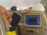 Türbülansa Giren Uçaktaki Yolcuların Dehşet Anları!