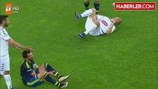 Torku Konyaspor Maçında Mehmet Topal'ın Bacağındaki Şişlikler Dikkat Çekti
