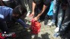 Çin Konsolosluğu Önünde Çin Bayrağı Yakıldı