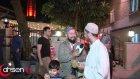 Çoşkulu Teravih Namazı Kıldıran İmam Cemaatı Sokağa Taşırdı  - Ahsen Tv