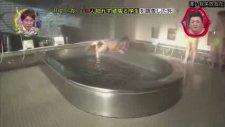 Banyoda Kaymalı Japon Yarışması ( 18)