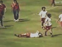 Unutulmaz Hakem İle Futbolcu Kavgaları