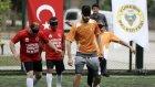 Adanaspor görme engellilerle gösteri maçı yaptı