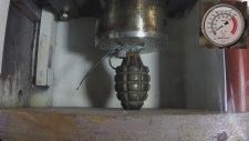 El Bombasını Presle Ezmek