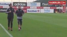 Ac Milan, Beşiktaş'ın Yıldızı Arjantinli Futbolcu Jose Sosa'yı Transfer Etmek İstiyor