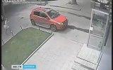 Azraile Çelme Atan Rus Kız