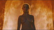 Game Of Thrones'ta Emilia Clarke'ın Cesur Sahnesi