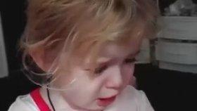 Oyuncağının Canı Yandığı İçin Ağlayan Bebek