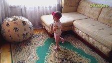Manolya Tv - Manolya, Fiksiki Çizgi Filminin Şarkısıyla Dans Ediyor.