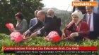 Cumhurbaşkanı Erdoğan Çay Bahçesine Girdi Çay Kesti