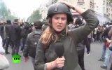 Rus Kadın Muhabirin Canlı Yayında Tokat Yemesi