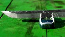 Samuray Kılıcı Katana Nokia 3310'a Dayanamadı