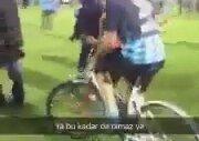 Sahaya Bisikletle Giren Adana Demirspor Taraftarı