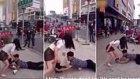 Yalvarırken Kız Arkadaşının Çorabını Çıkaran Savaşçı Erkek