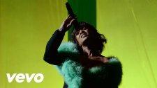 Love On The Brain (Live From The 2016 Billboard Music Awards) - Rihanna