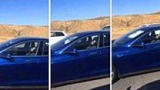 Tesla Aracını Otomatik Pilota Alan Adam Şoför Koltuğunda Uyudu