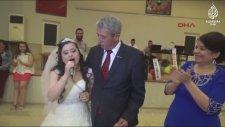 Down Sendromlu Yasemin İçin Yapılan Düğün