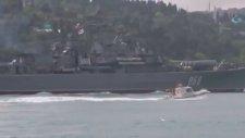 Rus Savaş Gemisinin Rus Kadın Askerleri İle Boğazdan Geçişi