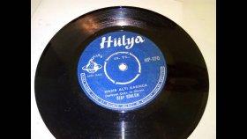 Özay Gönlüm - Hasır Altı Karınca - Nostaljik Müzik