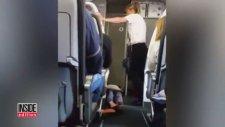 Uçakta Kaygı Yaşayan Kadının Çocuk Gibi Tepinmesi