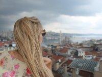 Sarışın Yollarda - İstanbul Macerası
