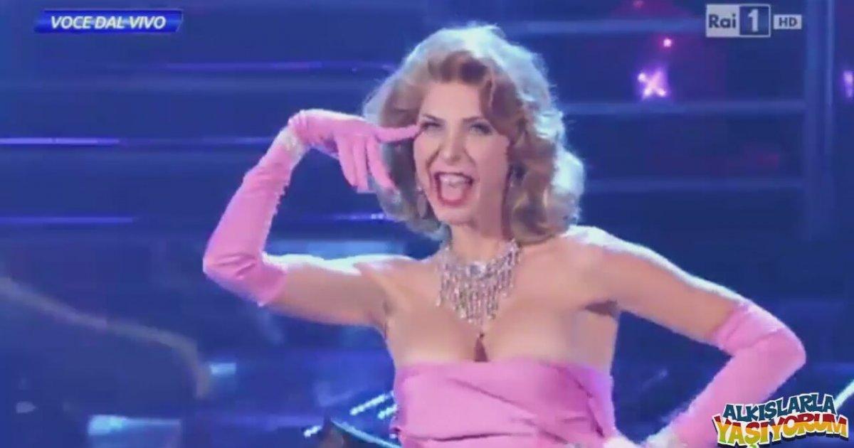 Alexandra Daddario full nude scene HD  XVIDEOSCOM