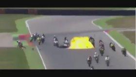 Motosiklet Yarışmasında Korkunç Kaza