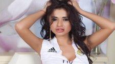 Real Madrid İçin Soyundu