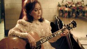 Loretta Lynn - Lay Me Down (feat. Willie Nelson)