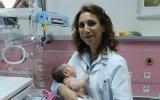 Kazada Ailesini Kaybeden Bebeğe Annelik Yapan Doktor  Niğde