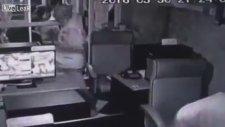 İnternet Kafede Ossurup Müşterileri Kaçırmak