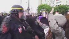 Polisin Gösterici Kıza Sert Müdahalesi