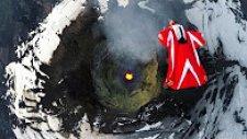 Yanardağın Üstünde Wingsuit Yapıp Ölüme Meydan Okuyan Kadın