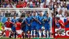 Gareth Bale'in Slovakya'ya Attığı Enfes Frikik Golü