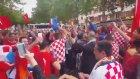Türk ve Hırvat Taraftarlar Birlikte Eğleniyor
