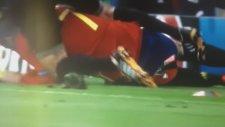 Morata'nın Hakmele Çarpıştığı An!