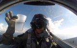 Su İçerken Ters Dönen Jet Pilotu