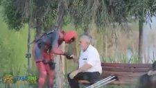 Deadpool'u Trolleyen Amca