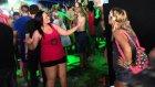 Şarkıyı Dans Ederek İşitme Engelli Arkadaşına Anlattı