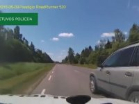 Litvanyalı Şoförün Filmleri Aratmayan Polisten Kaçış Görüntüleri