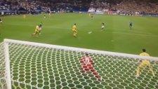 Niall McGinn'in Ukrayna'ya attığı gol