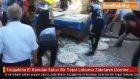 Şanlıurfa'da,  Tezgahına El Konulan Satıcı Bir Tepsi Lokumu Zabıtanın Üzerine Döktü