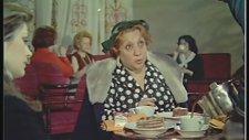 Hilton'da 5 Çayı Adile Naşit - Gülşen Bubikoğlu
